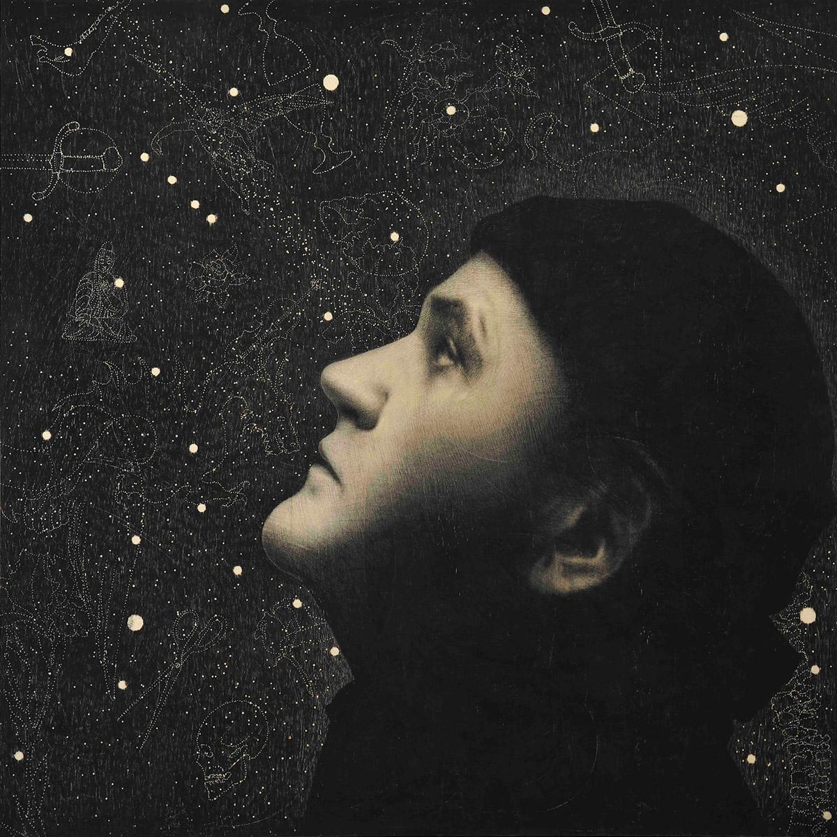 Omar Galliani, Autoritratto. Matita su tavola, 150x150 cm, 2018. Galleria degli Uffizi, Firenze